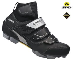 Full winter shoes will give you the maximum warmth and protection